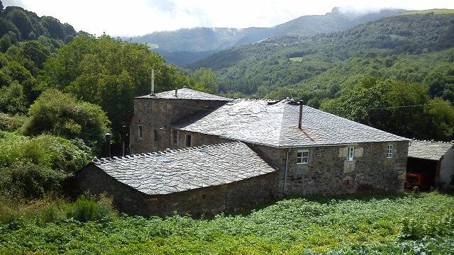 Triacastela (Galicia)