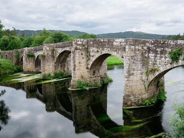 Ponte medieval de Pontevea (Galicia)